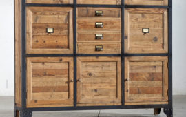 Credenza Moderna Con Alzata : Credenza classica ante e cassetti con alzata porte a vetro